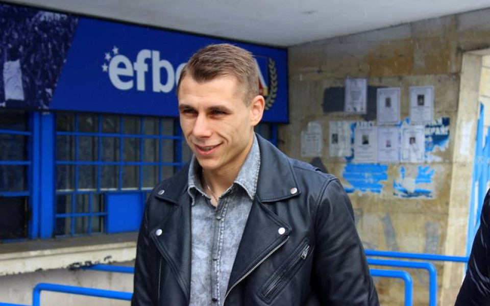 Септември се огледа в Антон Огнянов