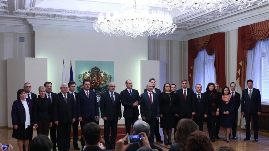 Служебните министри приеха щафетата, какво обещаха