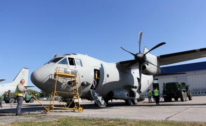 Румен Радев отива в Брюксел с военен самолет