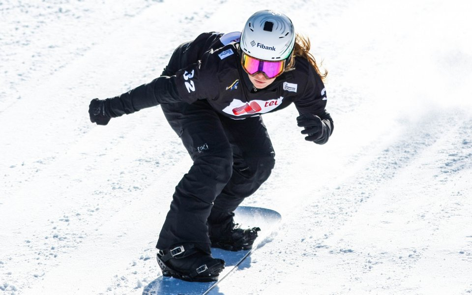 Сани Жекова започна сезона с осмо място
