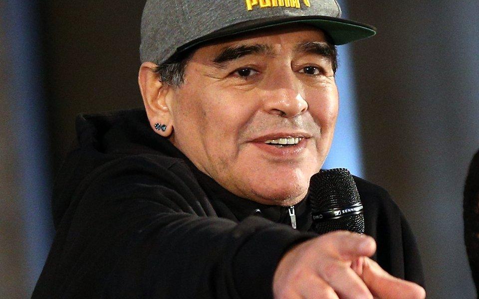 Марадона се връща в треньорската професия