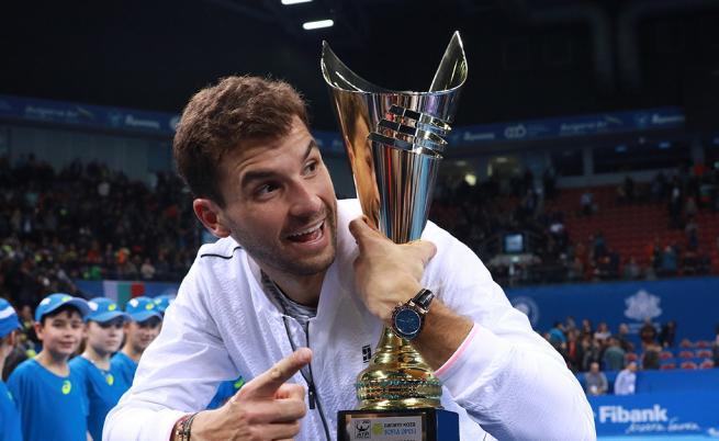 Григор Димитров с трофея от турнира в София миналаа година