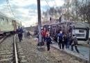 Влак дерайлира в Белгия, има загинал и ранени
