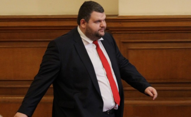 Пеевски предлага 5% ДДС за хляба и лекарствата