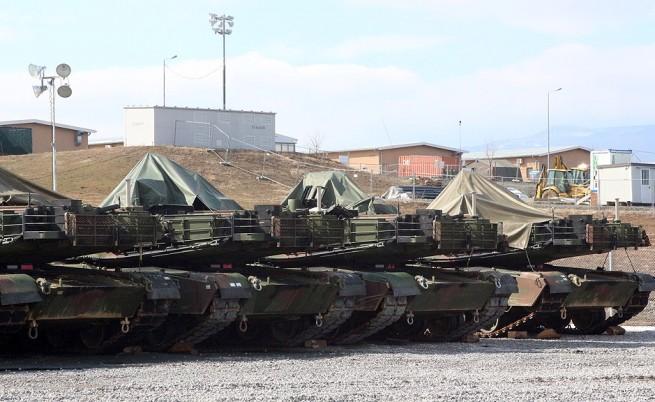 Бойна и спомагателна техника, с която е оборудвано военното формирование от състава на Сухопътните войски на САЩ, беше транспортирана на учебен полигон Ново село.