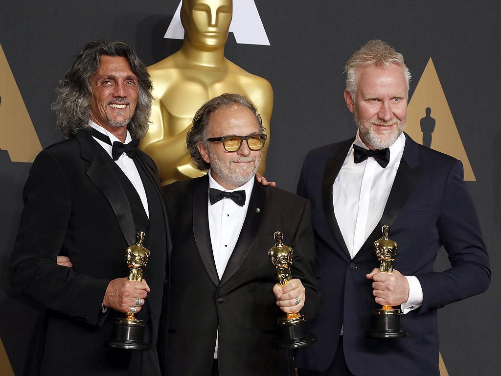 """""""Оскар"""" за грим и прически Алесандро Бертолаци, Джорджо Грегорини и Кристофър Нелсън за """"Отряд самоубийци""""."""