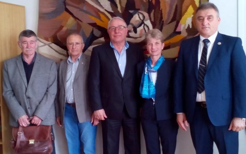 Шефът на федерацията по Таекуон-До ITF стана доктор, изпитва го спортният министър Дашева