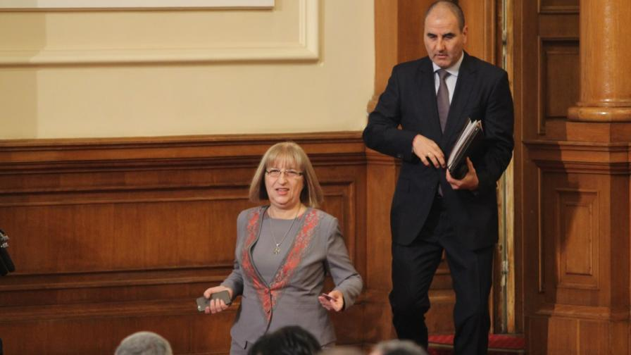 Цецка Цачева и Цветан Цветанов може и да не влязат в следващия парламент