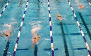 Единственият българин на Европейското по плуване аут в сериите на 400м
