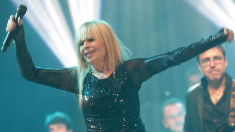 Лили Иванова по време на концерта