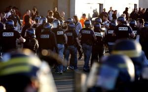 УЕФА наказа с условно изваждане Лион и Бешикташ