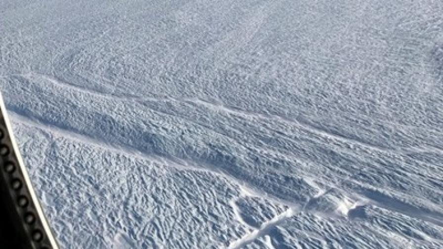 Огромен ледник в Гренландия се разпада