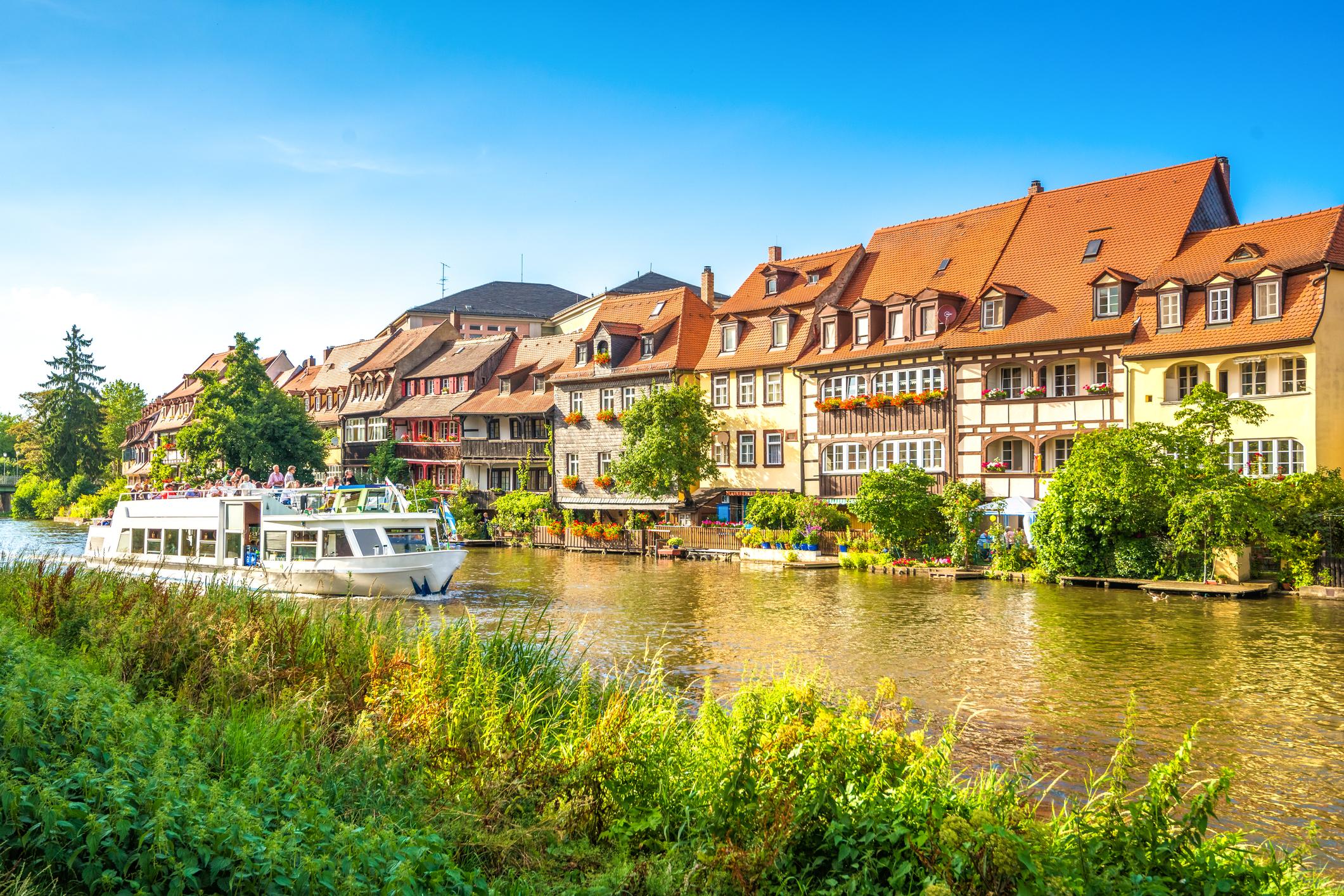 Бамбергеградв Германия, провинцияБавария, регионГорна Франкония.Разположен е нарекаРегниц. Градът е важен университетски център с един университет и един колеж. През1993г. старият град е включен в списъка на световното културно наследство наЮНЕСКО. <div></div>