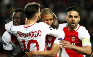 Монако продължава да мечтае за титла, взе тежко гостуване