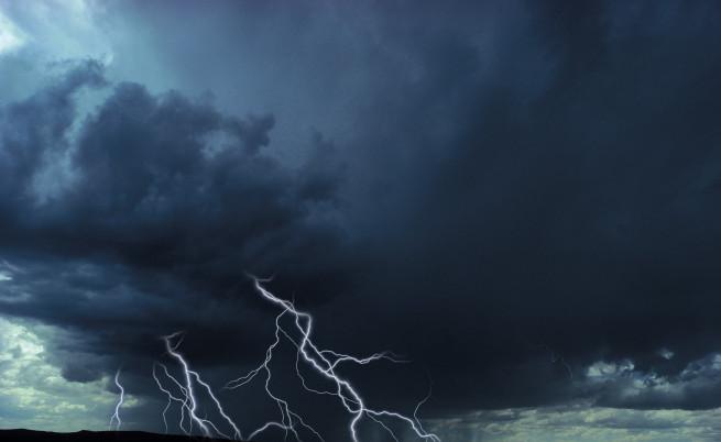 Жега и ето къде се очакват опасни бури днес