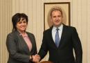 Нинова: Борисов може би лъже, да чуем президента