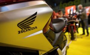 Мерцедес удря едно рамо на Хонда при двигателите?