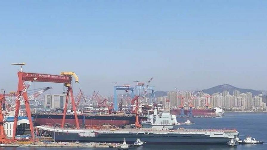 Китай извади нов самолетоносач