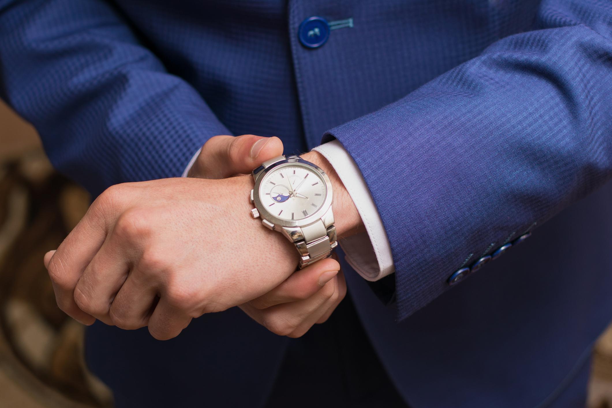Намерете аксесоар, който да е като втората ви кожа<br /> <br /> <br /> Ако имате часовник или някаква гривна, които да носите всеки ден, те се превръщат във вашата запазена марка. Нещото, което ви отличава от всеки друг. Въпросът тук е, да откриете онова нещо, което ще ви харесва, ще ви бъде удобно и ще ви прави различен.