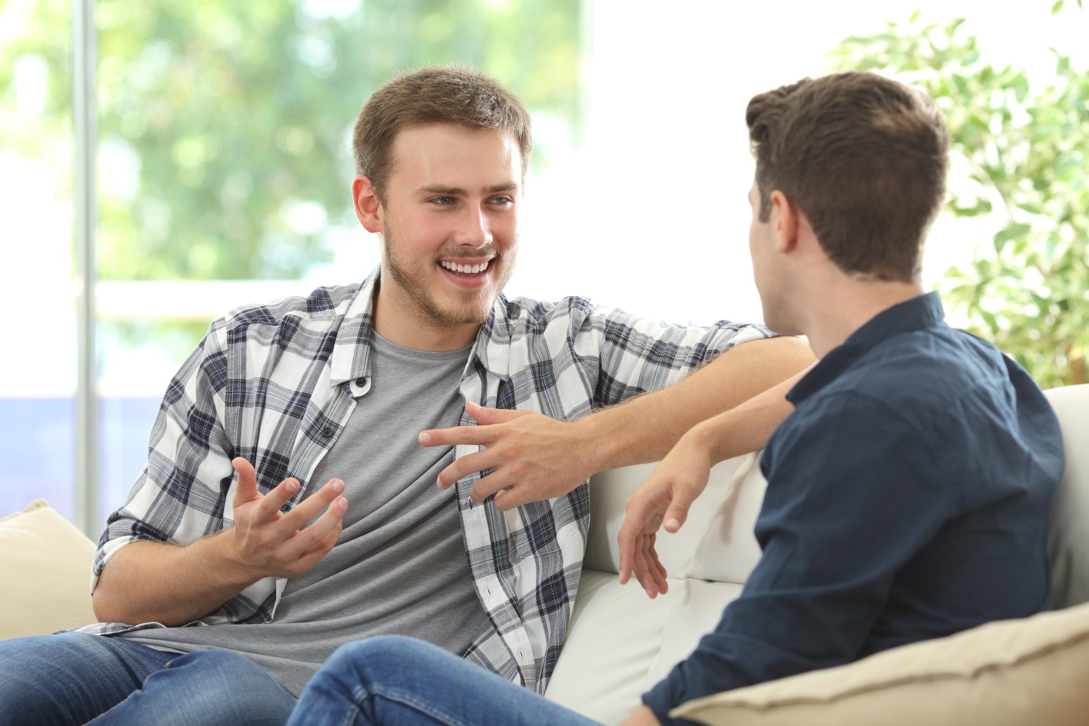Бъдете добър слушател<br /> <br /> Качество, което в последните години по-скоро остава назад в отношенията. Изслушването граничи с изкуство. Ако усвоите това, то определено ще научите много новости.