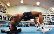 Джошуа вече тренира за бой срещу