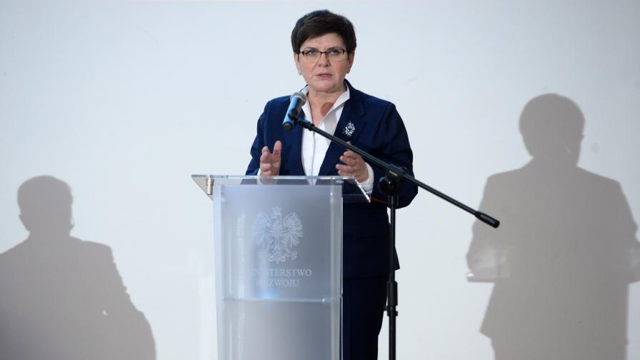 Полша отвърна на Макрон: Арогантност заради липса на опит