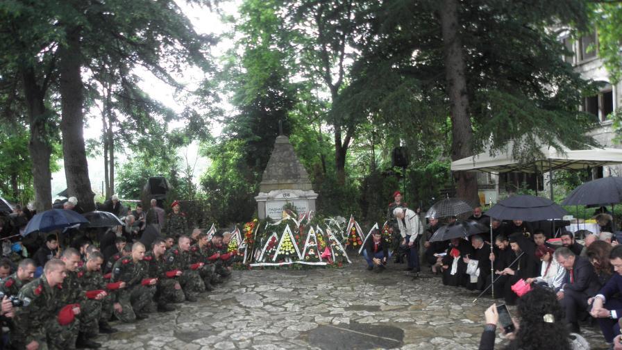 Политиците се поклониха пред един велик българин