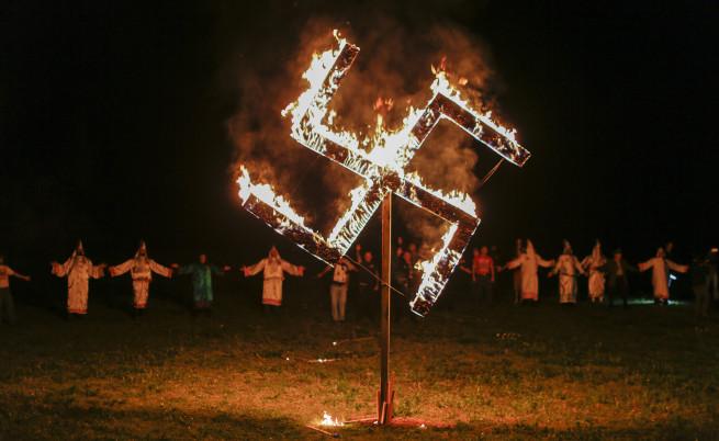 Как нацизмът отрови младите германци
