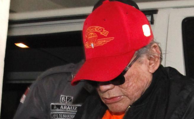 Мануел Нориега при пускането му от затвора тази година