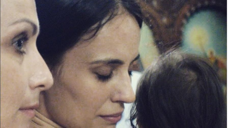 Бременна и красива: Радина Кърджилова се съблече за фотосесия