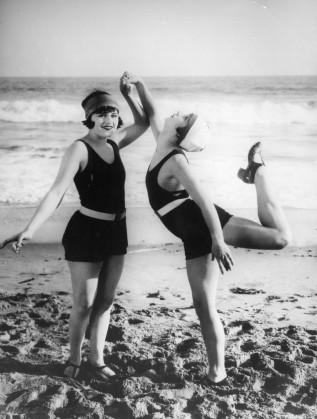 Момичета на плажа - 1915 г.