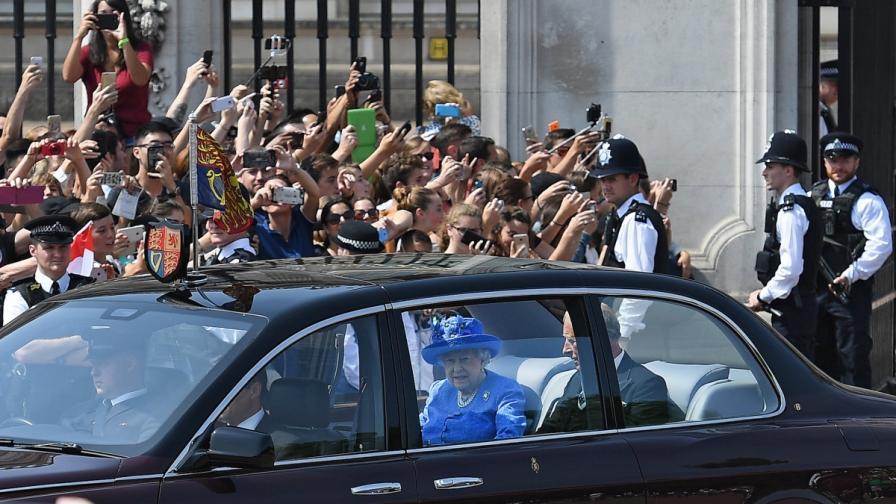 Кралицата нарушила закона, но ще се измъкне