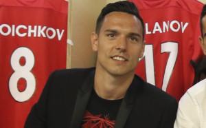 Англичани спрягат Миланов за Хъл, агентът му отрече