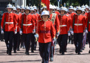 За пръв път: Жена води смяната на кралския караул