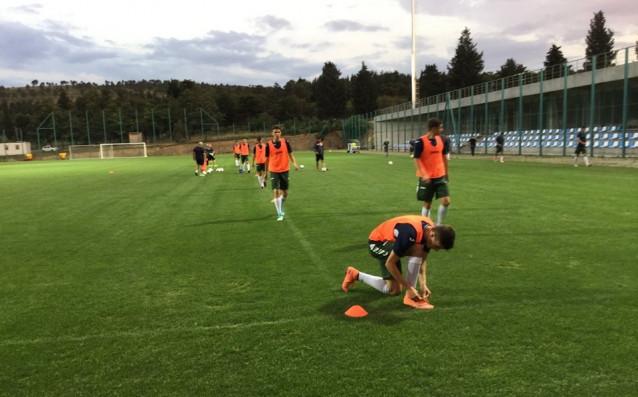 Юношеските национали тренират за Германия източник: facebook.com/BulgarianNationalTeam/