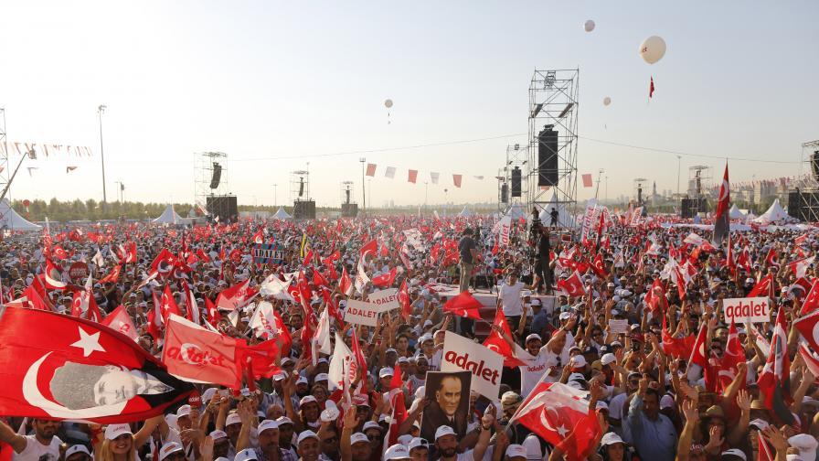 Най-големият протест срещу действията на Ердоган