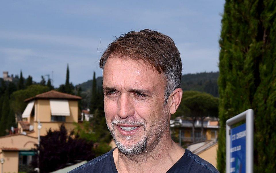 Легендарният аржентински нападател Габриел Батистута може да поеме отбора на