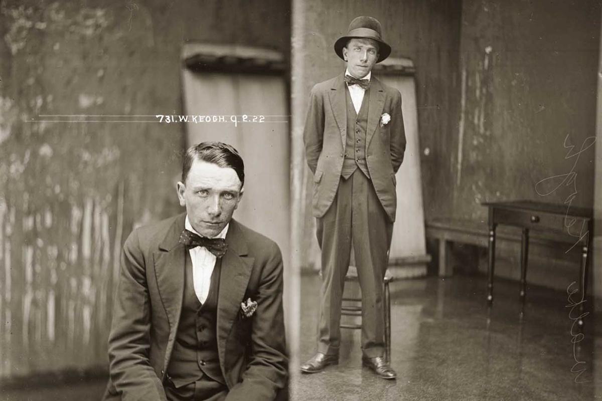 """Уолтър Кео се появява във фотоархива през 1923 г. Първоначално е описан като дребен джебчия, но през 1928 г. към """"квалификациите"""" му вече спадат и търговия с хора и несъществуващи земи."""