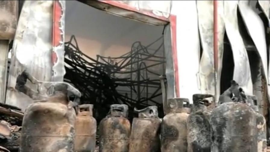 Опожареният склад за милиони в Казичене отвътре