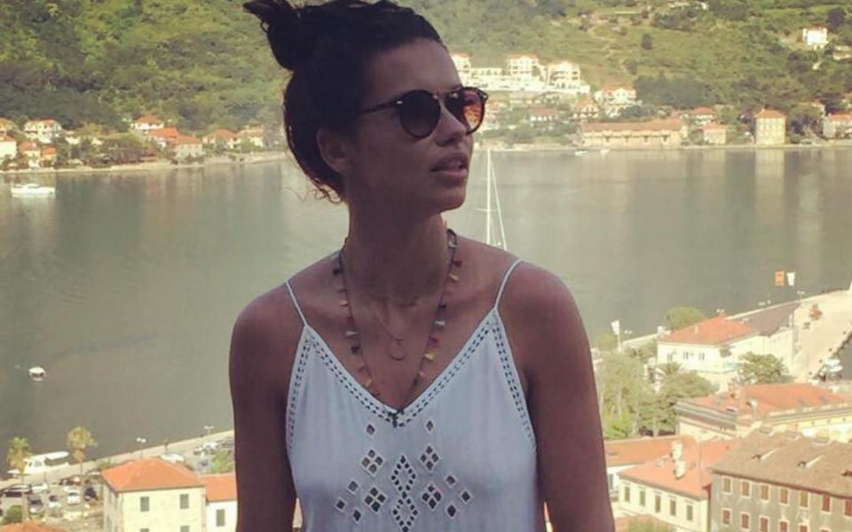 Адриана заряза спортистите заради турски писател