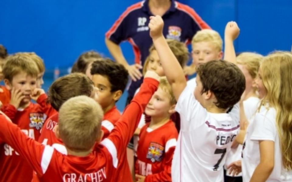 Британското футболно училище организира летен лагер