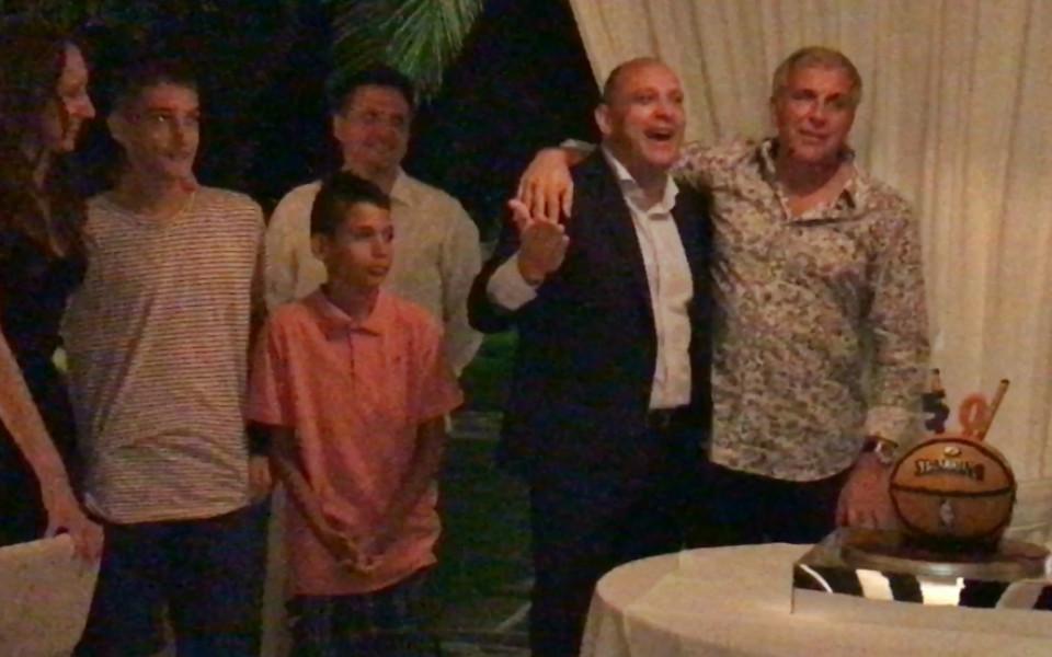 Тити Папазов посрещна юбилея сред скъпи гости в Атина