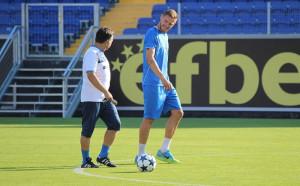 Яблонски и Вутов тренираха с Левски, феновете надъхват отбора
