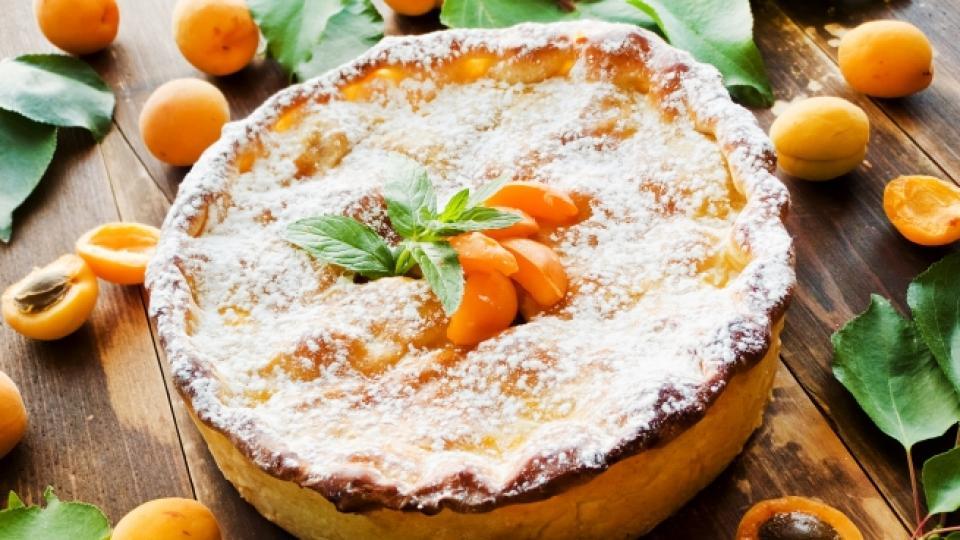 Сладкиш със сушени кайсии