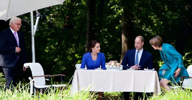 Не е лесно да впечатлиш най-бляскавата британска кралска двойка, а