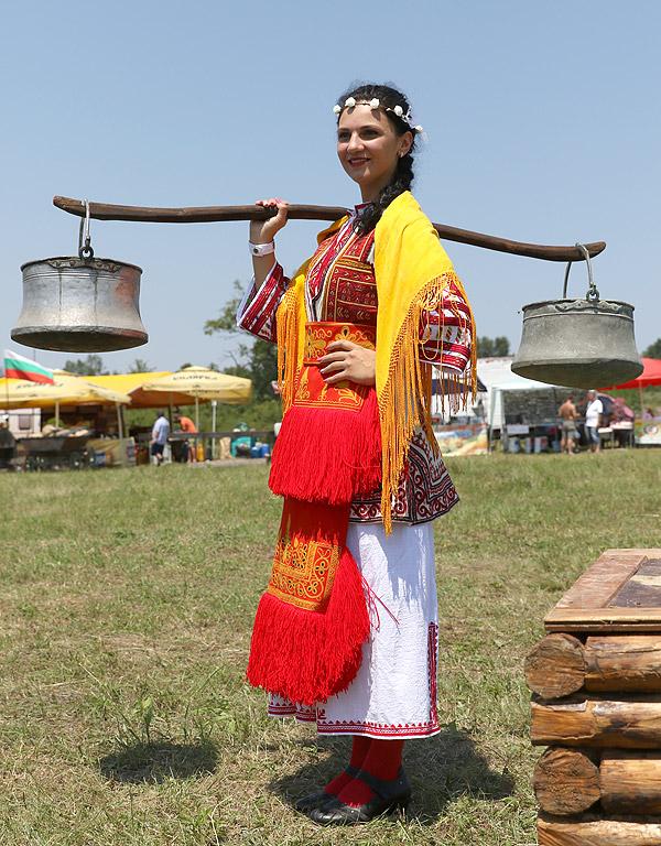 """""""Тѐ ти, булка, Спасовден!"""" е израз, широко разпространен от българския фолклор"""