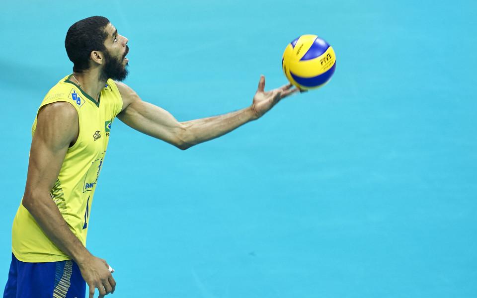 Рикардо Лукарели: Волейболът е моят живот, но е трудно да избягаш от футбола
