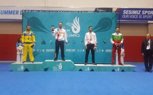 Бронзов медал за Николай Христов на карате от Дефлимпикс