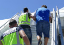 Откараха с военен самолет български мафиоти към Испания
