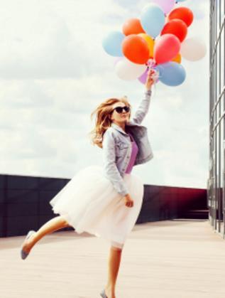 жена момиче балони щастие любов
